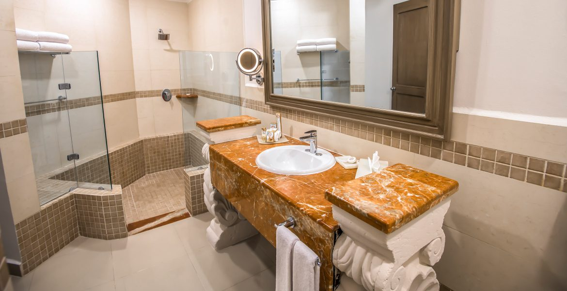 resort-suite-bathroom-granite-counter-top