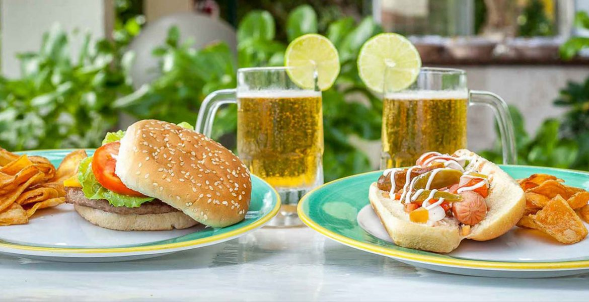 beers-burger-on-white-table
