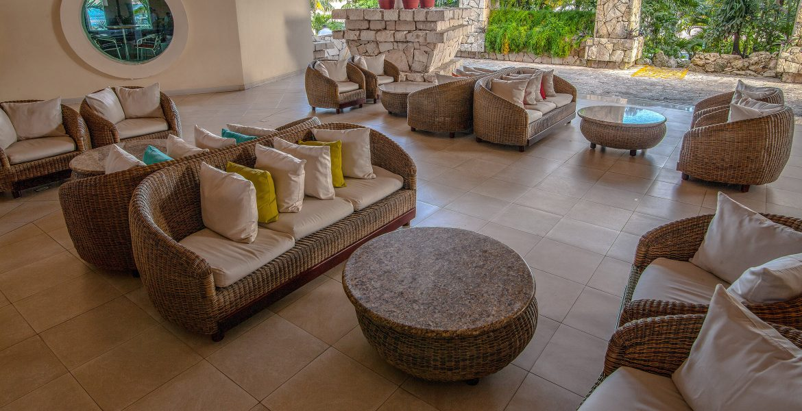 beach-resort-lobby-natural-style-furniture