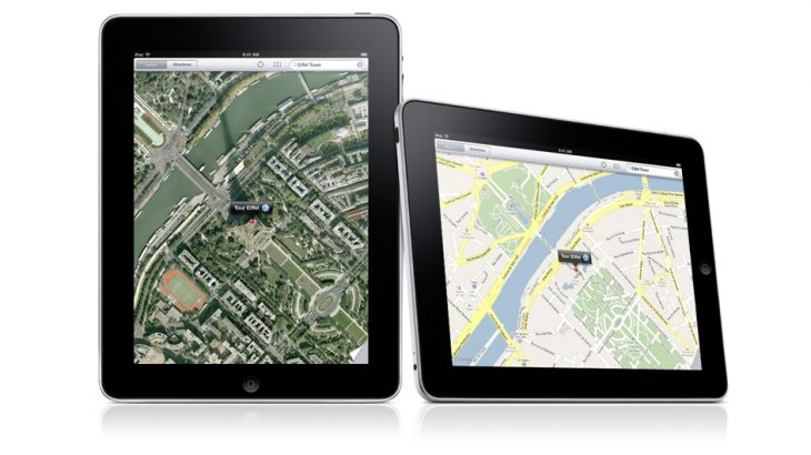 interrnet-photo-pf-ipad-with-maps-on-screen