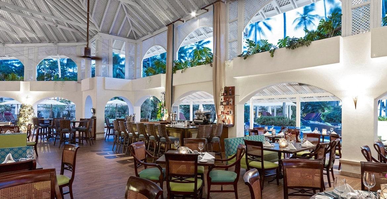 dining-Colony-Club-by-Elegant-Hotels