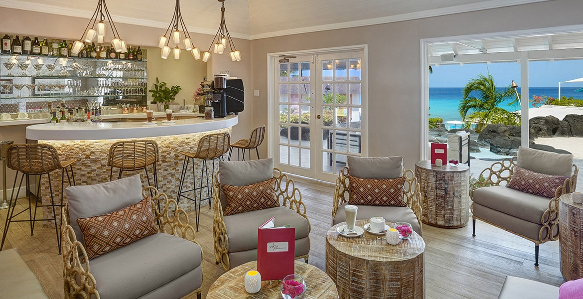 dining-Crystal-Cove-by-Elegant-Hotels