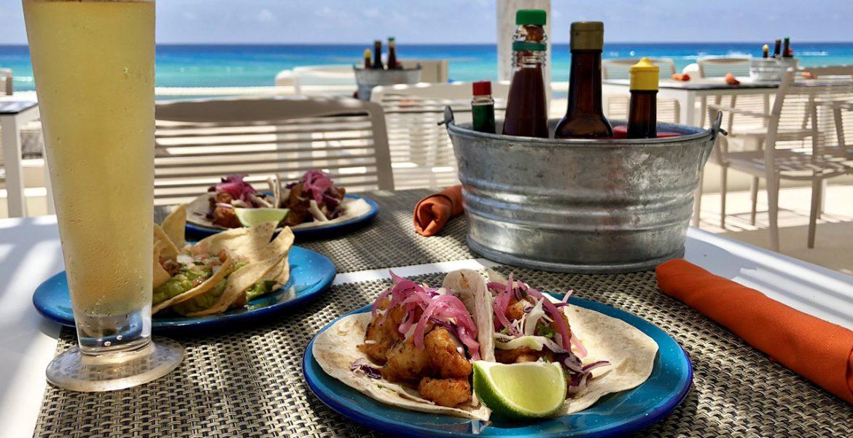 beachfront-dining-fiesta-americana-condesa-cancun-beach-hotel