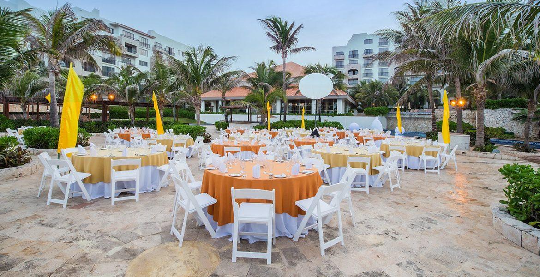 wedding-setup-fiesta-americana-condesa-cancun-beach-hotel
