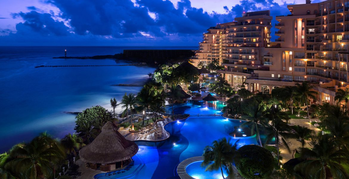 aerial-view-nighttime-grand-fiesta-americana-coral-beach-cancun