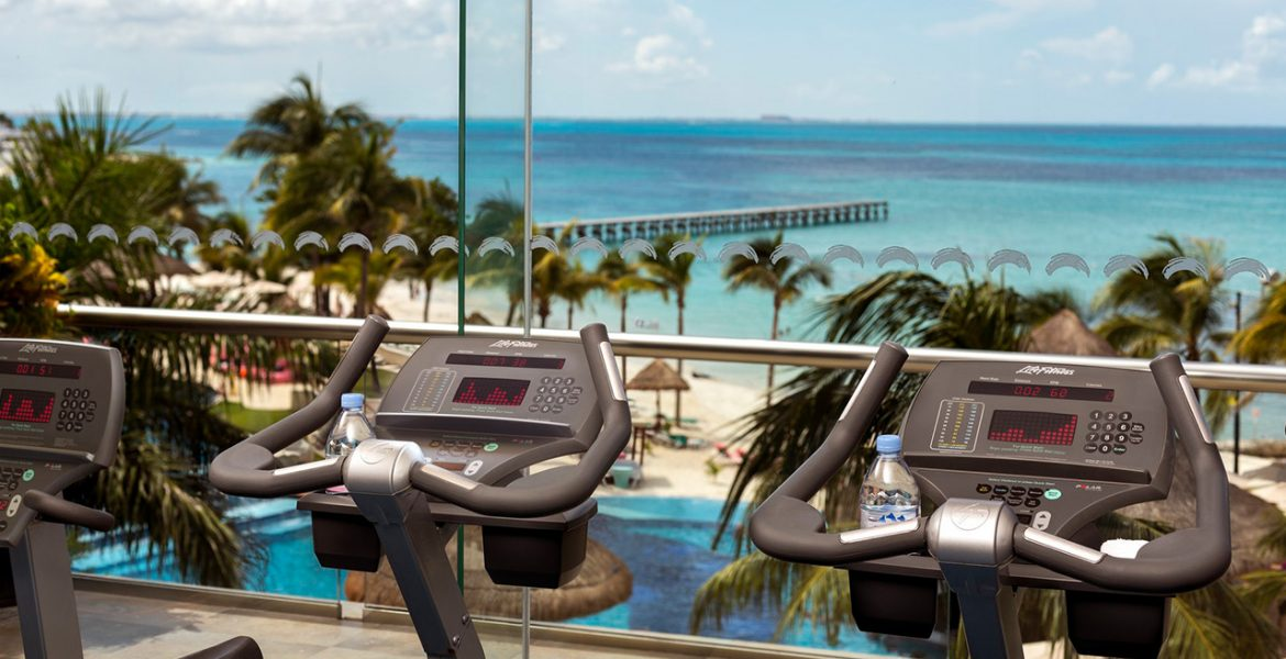 balcony-gym-grand-fiesta-americana-coral-beach-cancun