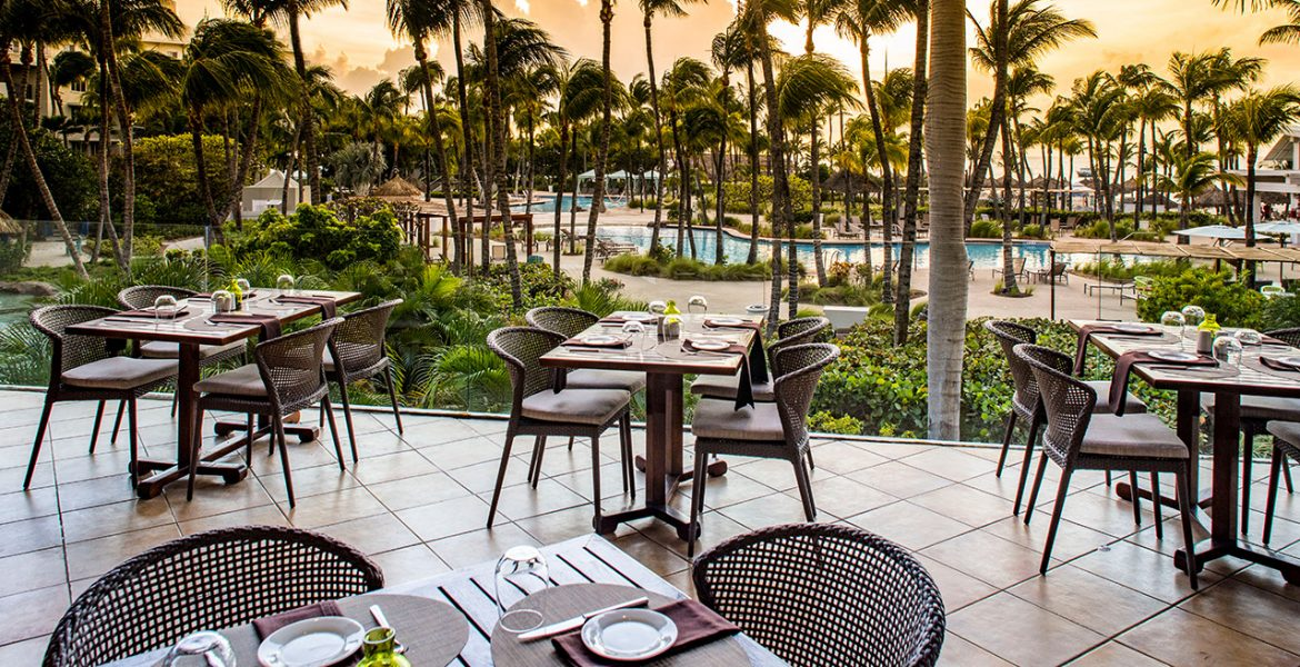 sunset-dining-Hilton-Aruba-Caribbean-Resort-Casino