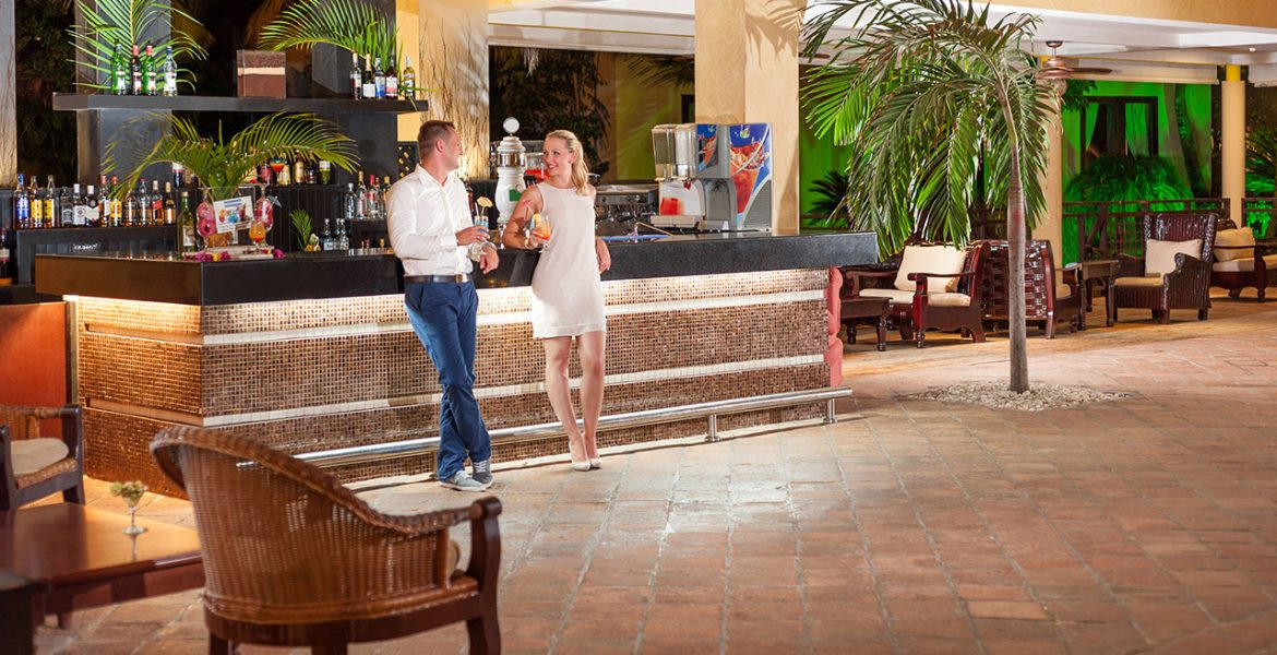 bar-couple-hotel-punta-cana-princess-dominican-republic