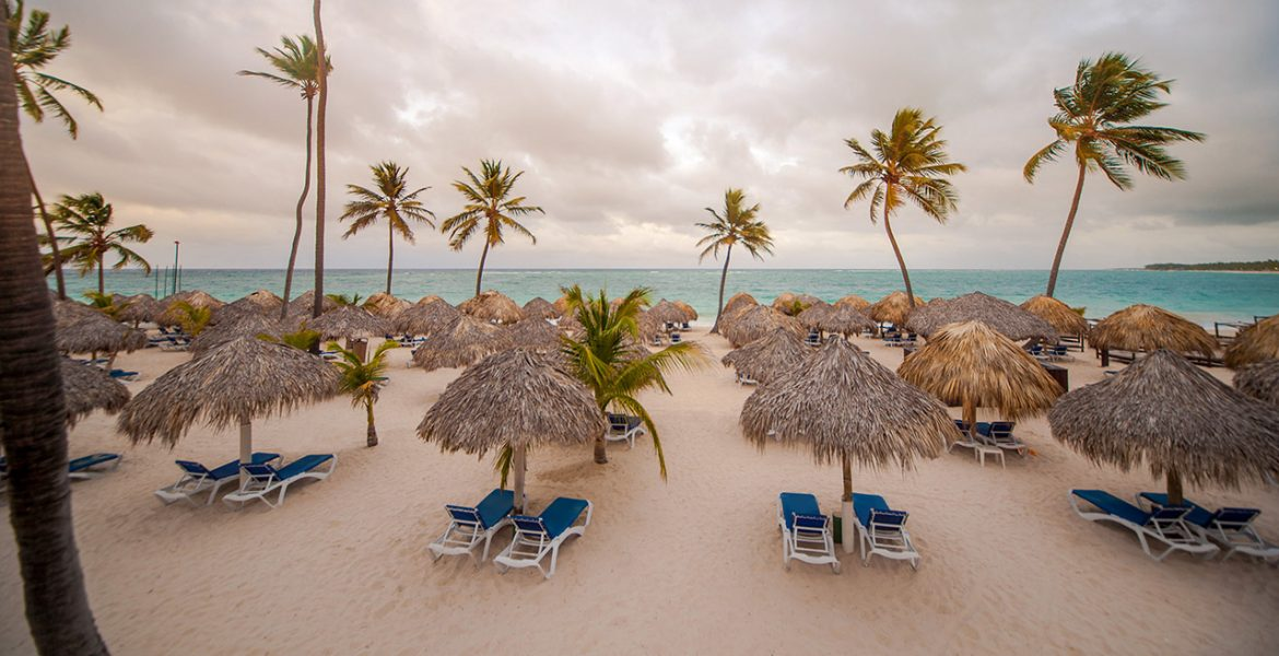 beach-loungers-umbrellas-hotel-punta-cana-princess-dominican-republic