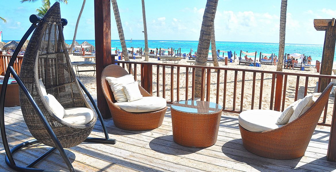 beachfront-seating-hotel-punta-cana-princess-dominican-republic