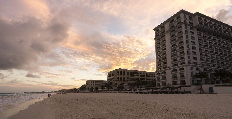 beach-sunset-jw-marriott-cancun-mexico-beach-resort