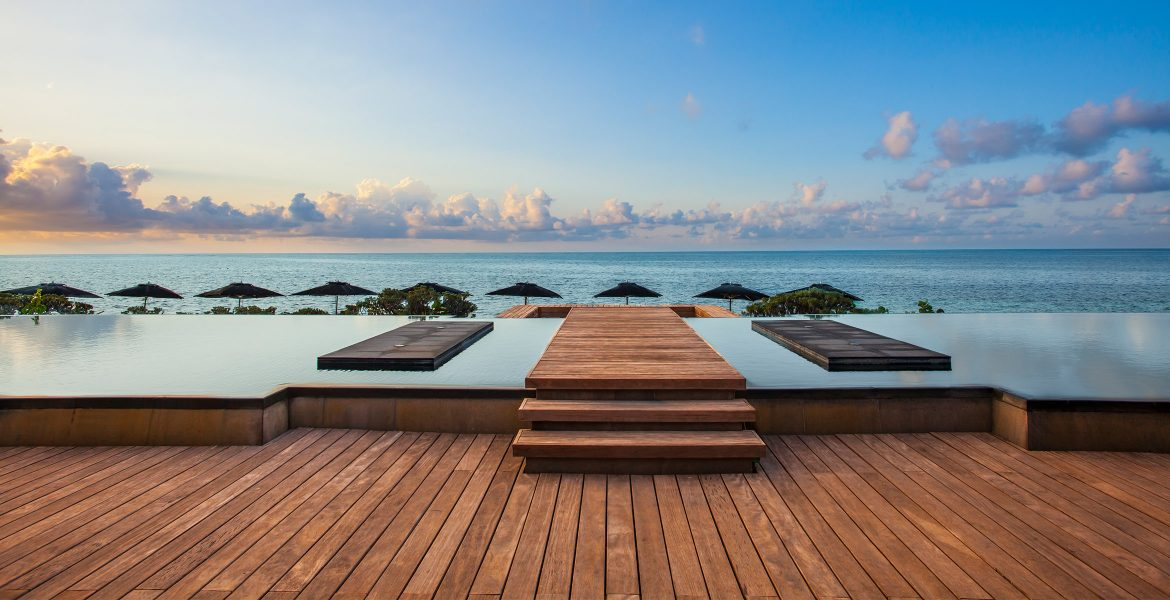 beachfront-pool-nizuc-resort-spa-cancun-mexico