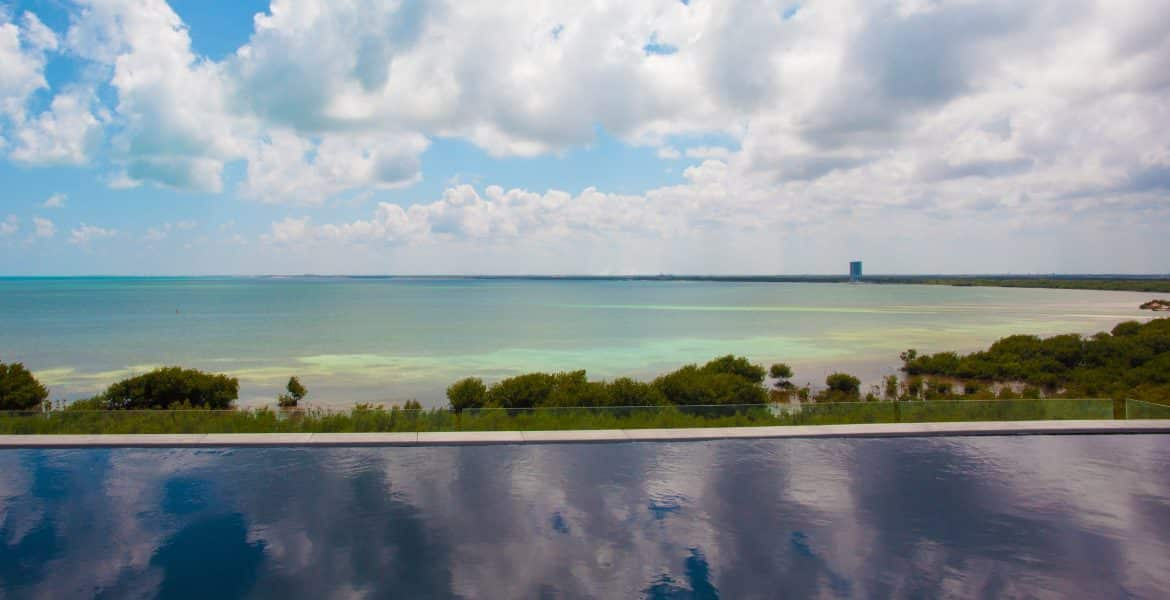 infinity-pool-nizuc-resort-spa-cancun-mexico