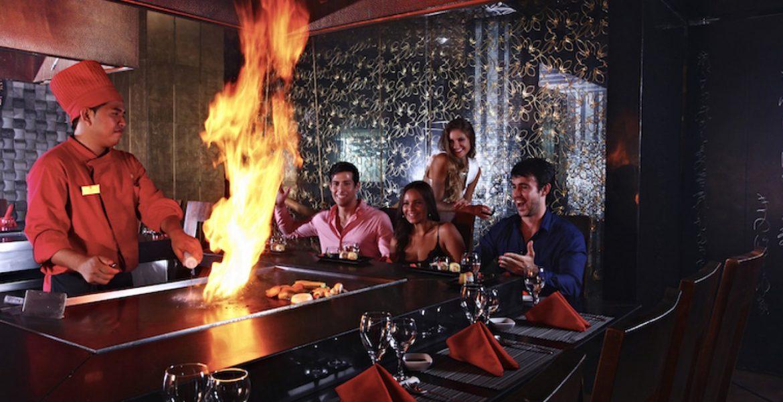 dining-sandos-cancun-lifestyle-resort
