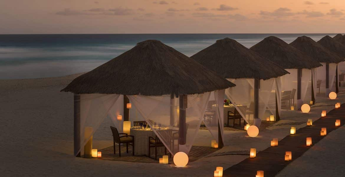 cabanas-sunset-ritz-carlton-hotel-cancun