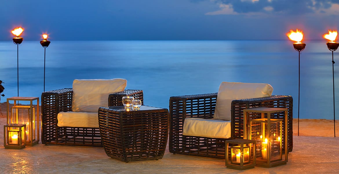 oceanfront-seating-the-house-elegant-hotels-barbados-beach-hotels