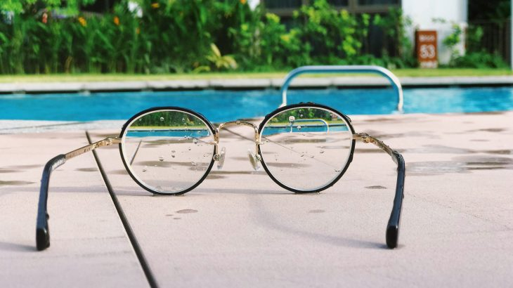 glasses-pool-know-limits-with-vacation-budgeting