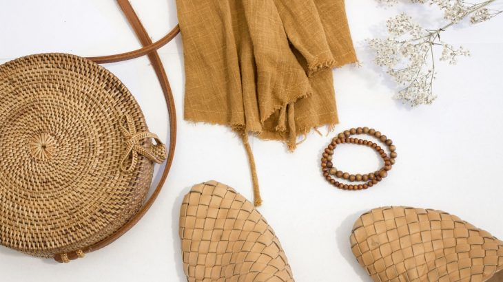 neutral-colored-accessories