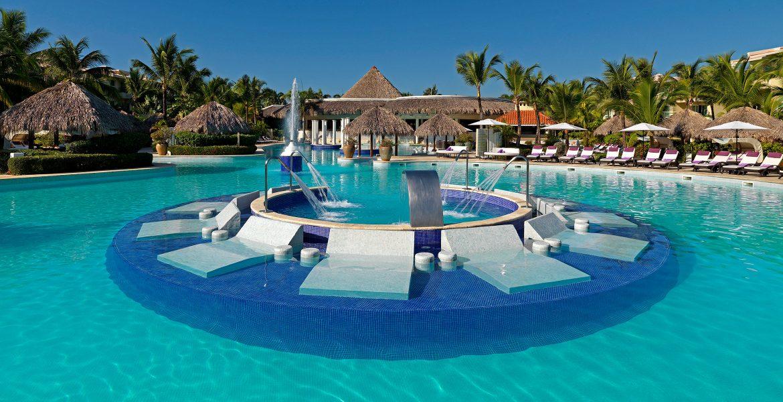 pool-loungers-reserve-at-paradisus-punta-cana