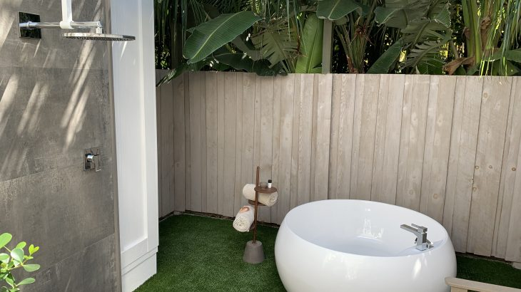 bungalows-key-largo-outdoor-tub