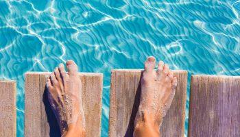 sandy-feet-beach-hacks