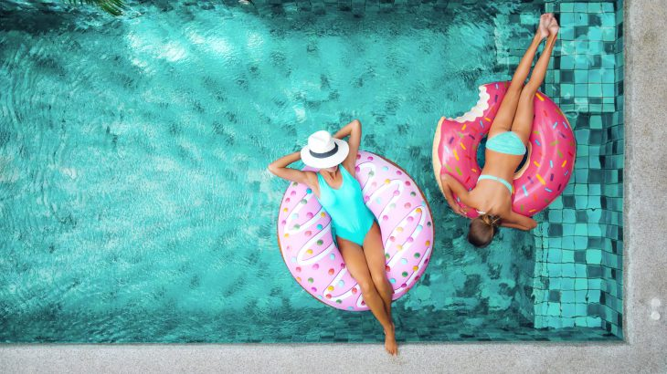 value-budget-beach-hotels-aruba-women-floating-donut-floats
