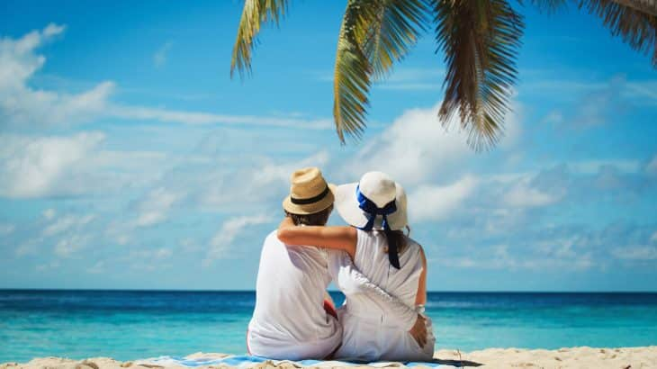 honeymoon-beach-vacation-aruba