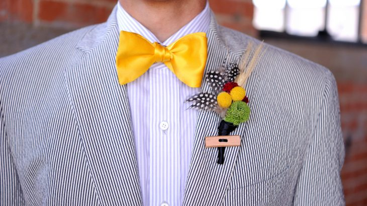 quirky-suit-beach-wedding-attire