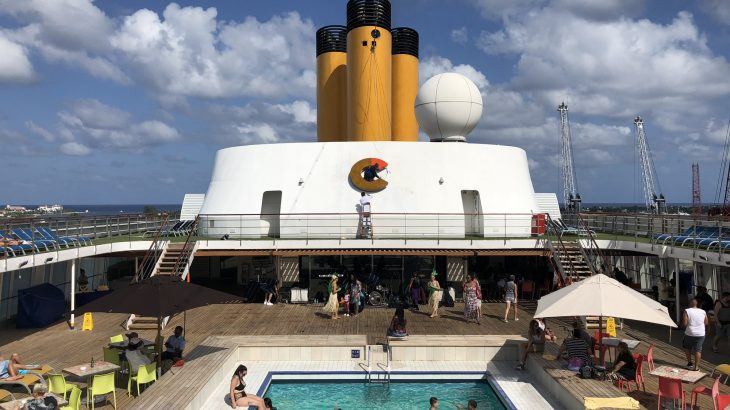 pool-on-cruise-ship-florida-to-bahamas