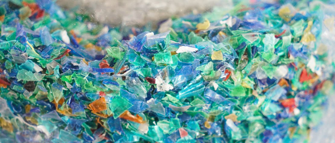 scary-facts-plastic-pollution-humans-ingest-micro-plastics