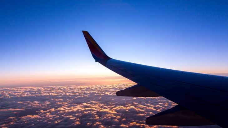 plastic-free-airlines-view-outside-plane-window