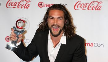 jason-momoa-aluminum-water-can-brand-mananalu